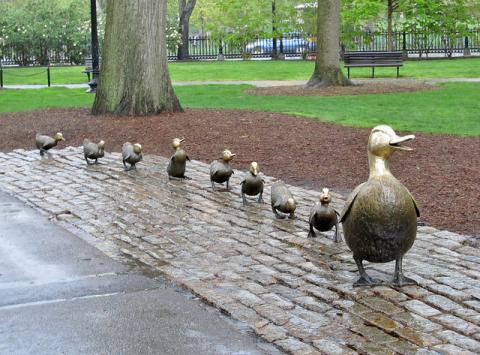 Make Way for Ducklings sculpure in Boston