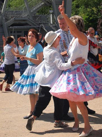 Lively Square Dancers
