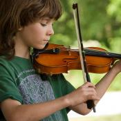A young fiddler