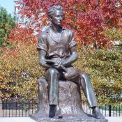 Statue of young Lincoln in Chicago