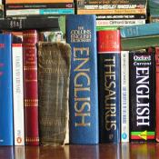 English language dictionaries, thesaurus and references